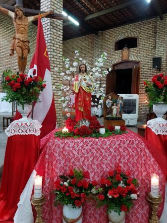 Paróquia da Sagrada Família Celebra festa ao Sagrado Coração de Jesus
