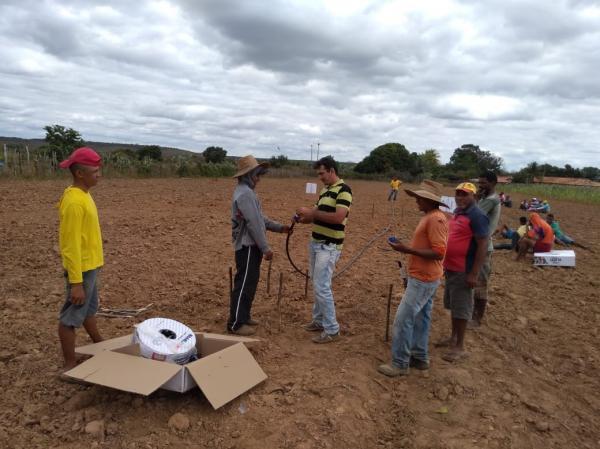 CEFAS realiza montagem de sistema de irrigação na comunidade quilombola Angiacal Colônia do Piauí
