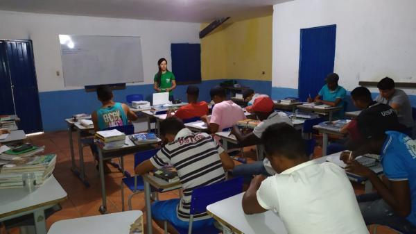 Em pareceria com o SENAR, o CEFAS e a fundação Dom Edilberto Dinkelborg promove cursos em Oeiras.