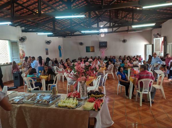 Paroquia da Sagrada Família realizou café da manhã comunitário para celebrar o dia internacional da mulher