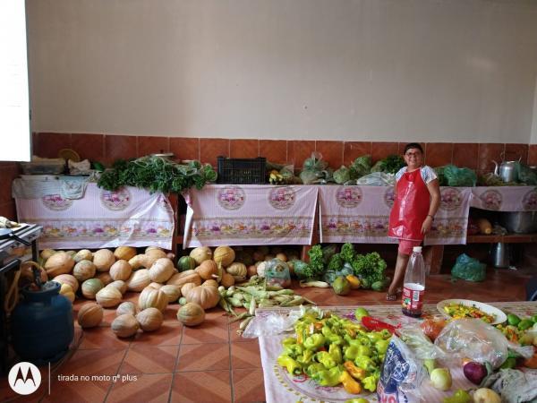 """""""Estamos com você"""" projeto beneficia famílias em Oeiras"""