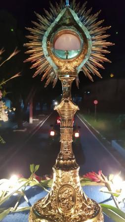 Católicos celebram a Solenidade de Corpus Christi em Oeiras