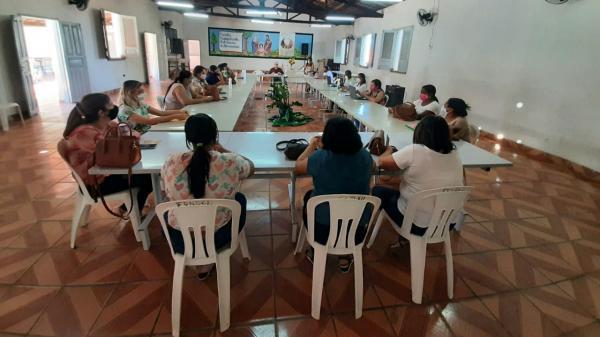 Equipe funded reúne gestores para traçar planos de ação das escolas família agrícolas