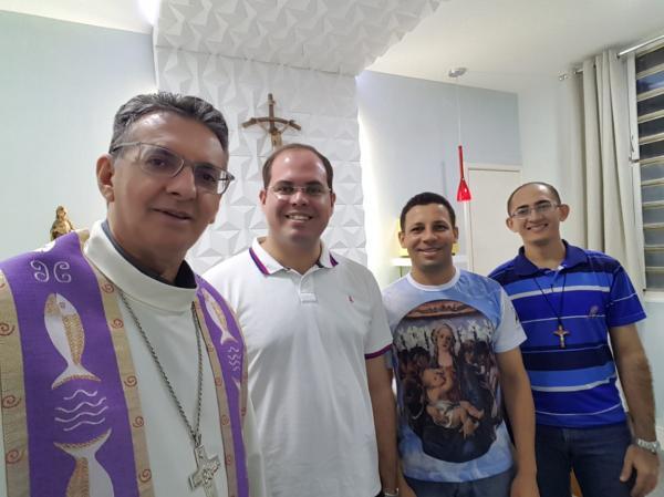 Seminaristas se preparam para ordenação diaconal em retiro espiritual