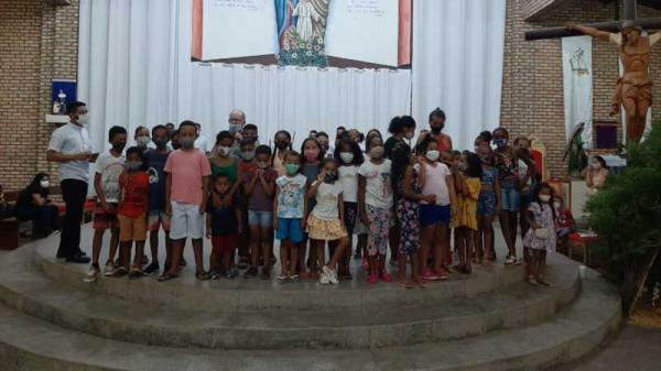 Paróquia da Sagrada Família Realiza Natal das Crianças e Famílias da Comunidade!